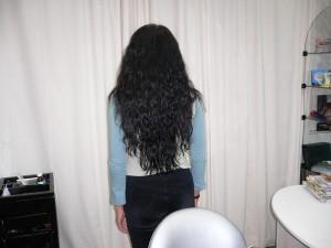 вьющиеся волосы черного цвета